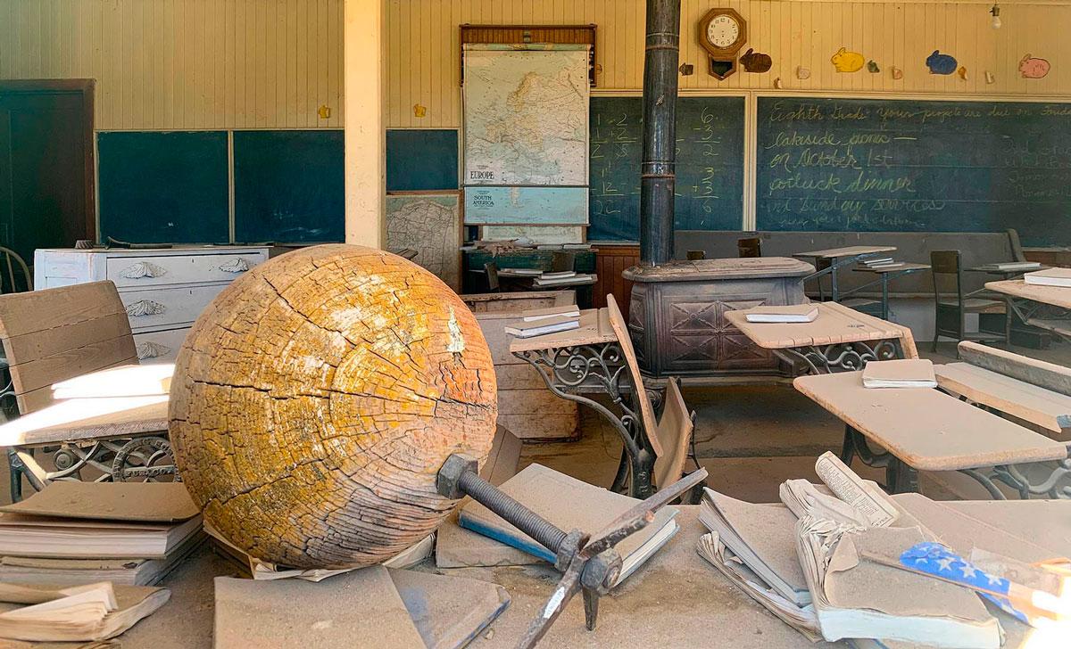 Schoolhouse-Bodie-California